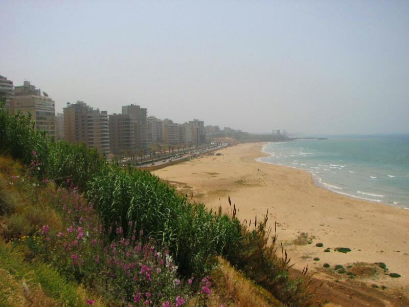 The beach at Ramlet al Baida near Beirut where the Al Ghadir wastewater treatment plant is located in Lebanon. Photo: Blingbling10.