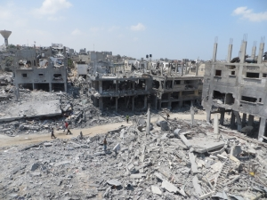 water specials report gaza beit hanun in ruins after israeli attacck august 2014