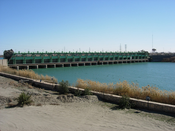 سد الرمادي المياه في العراق