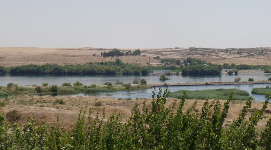 Photo 1: Euphrates River when enters Syria from Turkey (Source : Hala ALahmad )