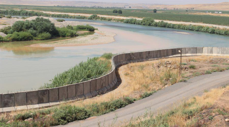 الصورة 1: نهر دجلة بالقرب من سوريا - الحدود التركية. (المصدر: William Gauthier, Flickr)