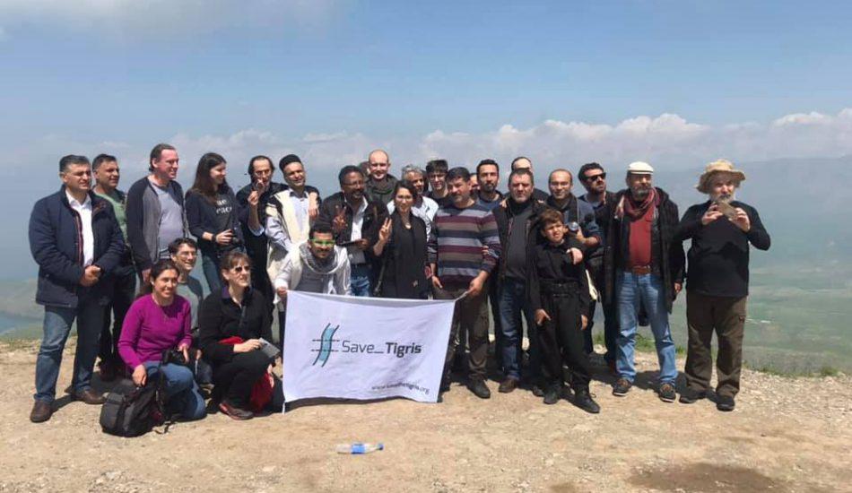 المشاركون في المنتدى في رحلة إلى سد دوكان. (المصدر: Save Tigris / Facebook)