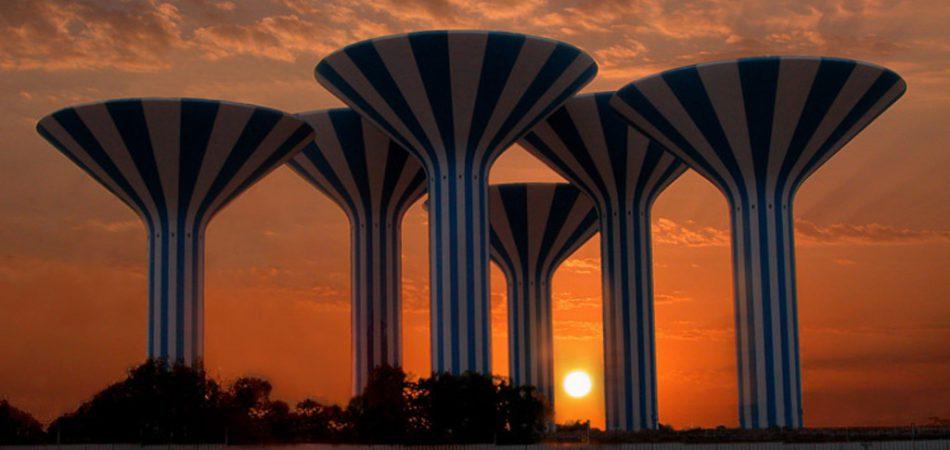 water towers kuwait Water infrastructure in Kuwait